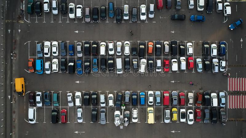 Parking de voiture vu d'en haut, vue aérienne Vue supérieure photographie stock