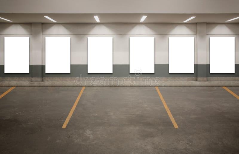 Parking pustego miejsca billboard obrazy stock