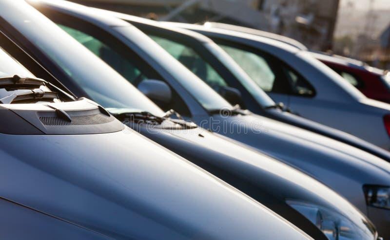 Parking samochody obrazy stock