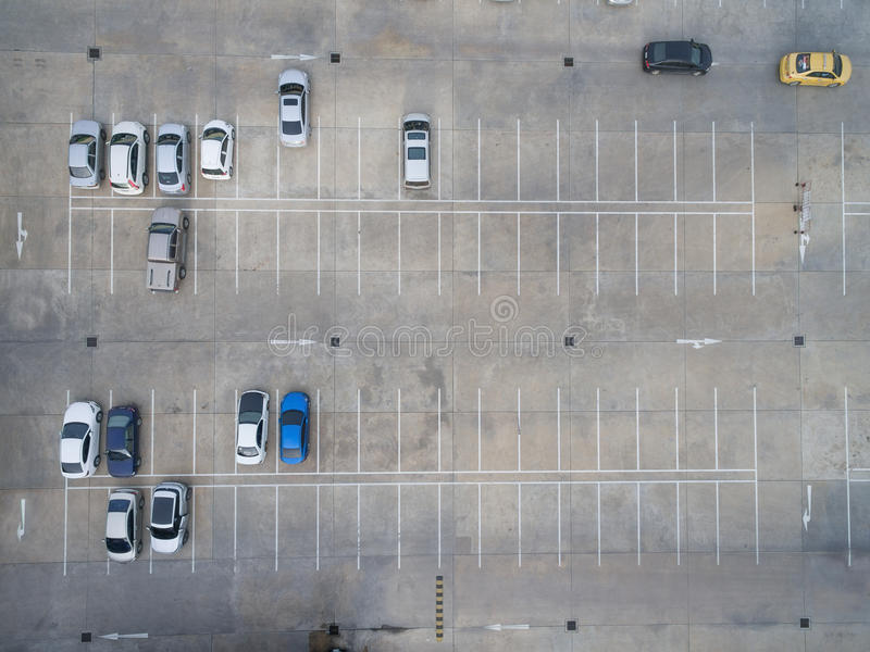 Parkings vides, vue aérienne photos libres de droits
