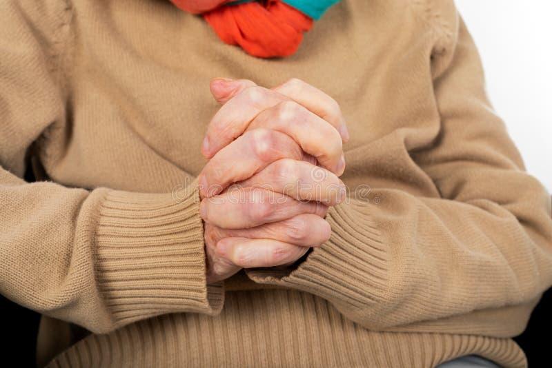 Ηλικιωμένα χέρια τινάγματος στοκ εικόνα