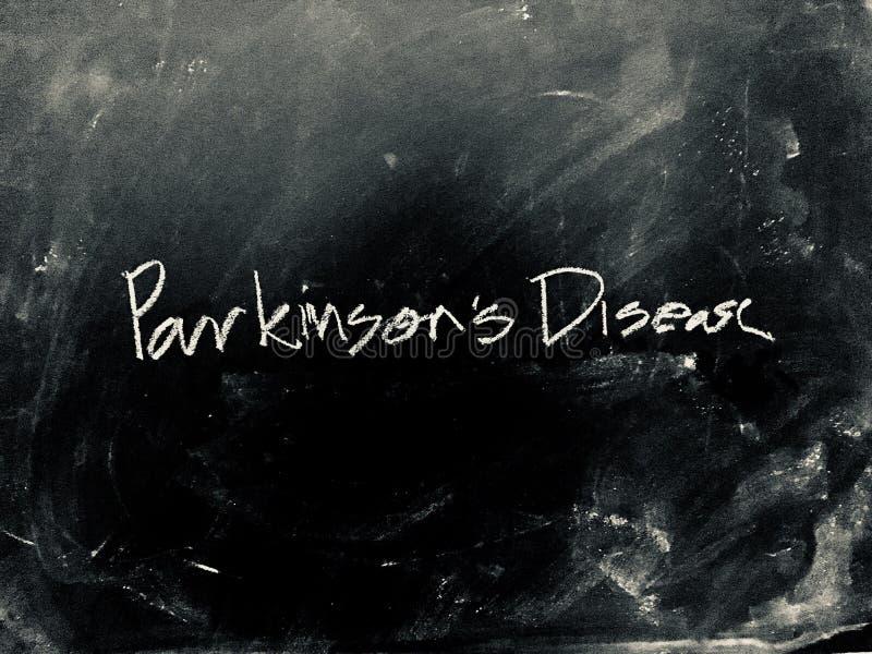 Parkinson ` s choroba ręcznie pisany na Blackboard obrazy stock