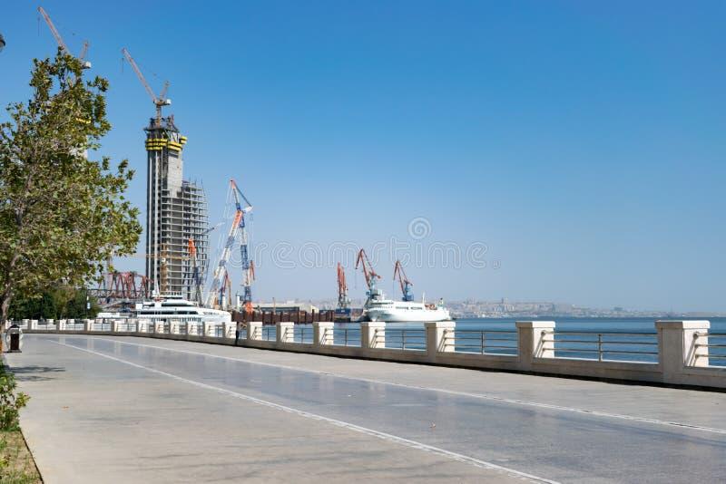 Parkowy teren Plażowa strona Denni naczynia Kaspijski towarzystwo żeglugowe używają dla ładować operacje i rozładowywać w porcie  obrazy stock