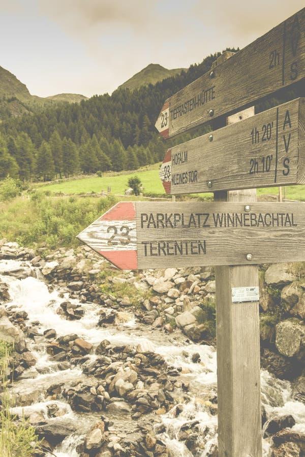 Parkplatz Winnebacjtal Terenten Wood Signage Free Public Domain Cc0 Image