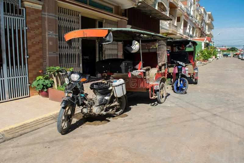Parkujący tuk-tuks w Phnom Penh Kambodża zdjęcia royalty free