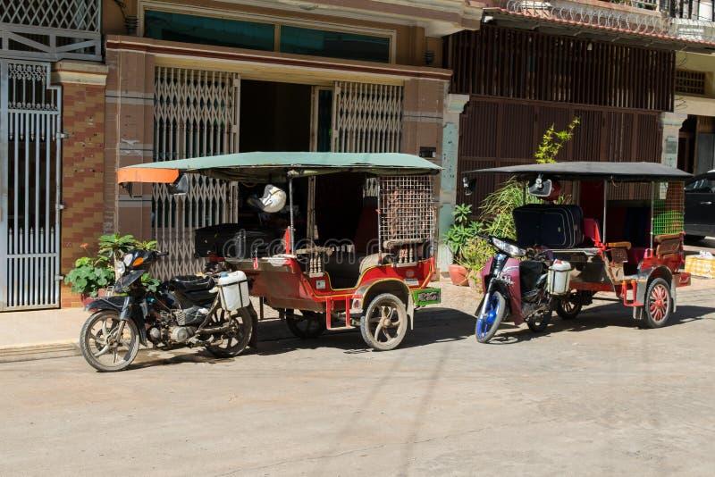 Parkujący tuk-tuks w Phnom Penh Kambodża obrazy stock