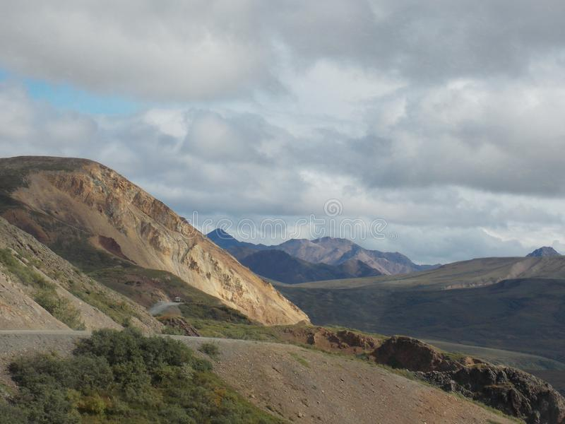Parkweg - het Nationale Park van Denali, Alaska stock afbeelding