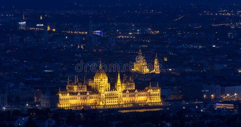 parlament för budapest byggnadsungrare royaltyfria bilder