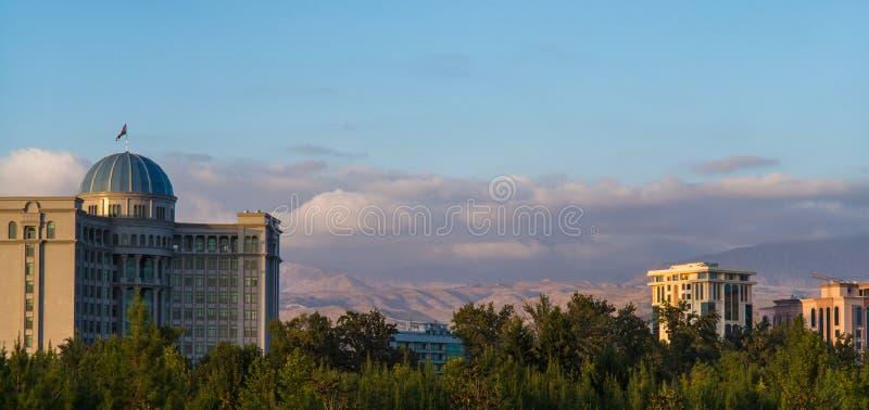 Parlament i pałac prezydencki w Dushanbe, kapitał Tajikistan zdjęcie royalty free