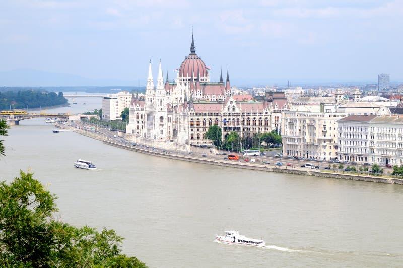 Parlamentsgebäude in Budapest lizenzfreie stockfotos