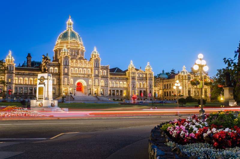 Parlamentu budynek w Wiktoria przy zmierzchem fotografia royalty free