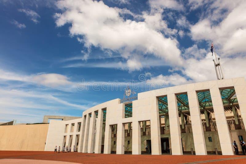 Parlamentu dom w Canberra jest spotkania miejscem parlament Australia zdjęcie stock