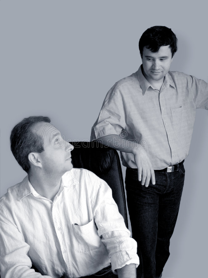 Parler d'hommes d'affaires photo libre de droits