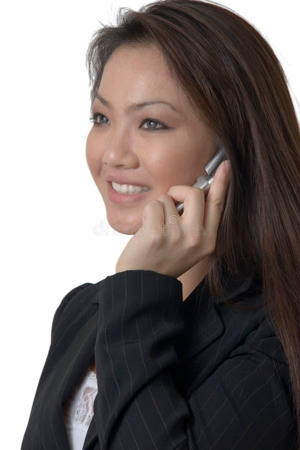 Parler sur le téléphone portable photo libre de droits