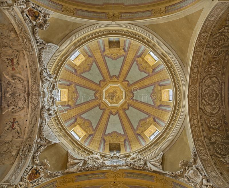 PARMA, ITALIA - 16 APRILE 2018: La cupola della chiesa di San Vitale immagine stock libera da diritti
