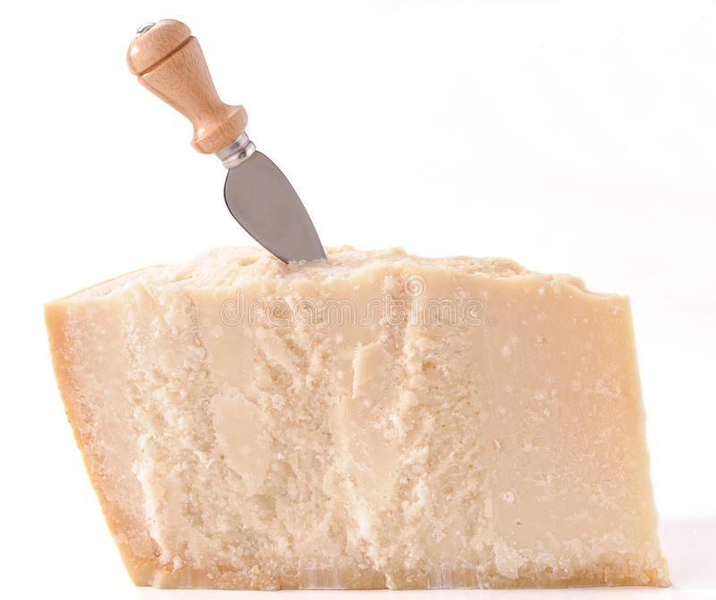 Parmesankäseparmesankäse mit Messer stockfoto