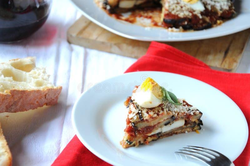 Parmigiana un plat italien typique image libre de droits