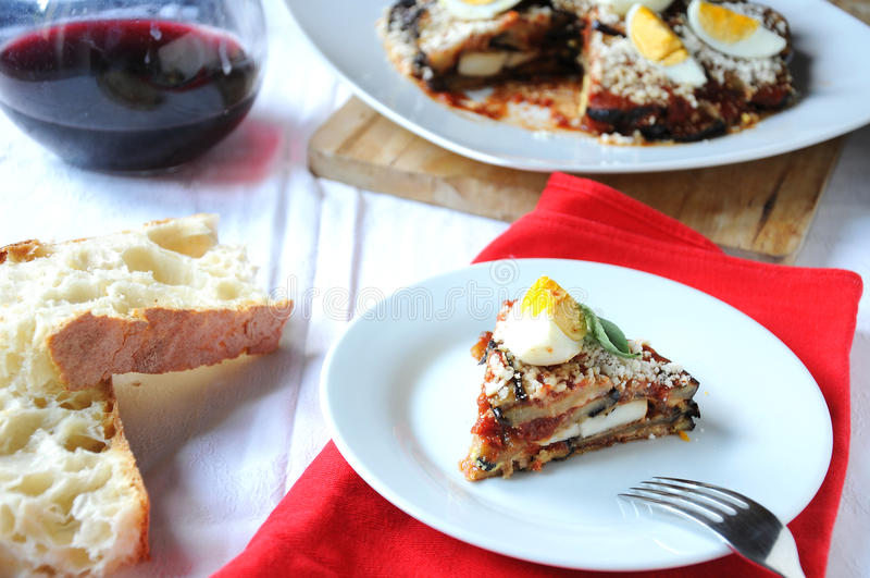 Parmigiana un plat italien typique photographie stock libre de droits