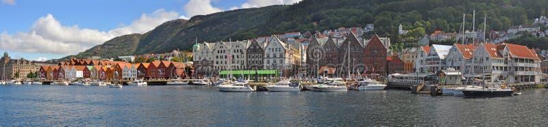 Parnoramic sikt till den bergen hamnen, Norge fotografering för bildbyråer