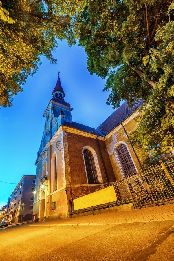 Parnu Estland, baltiska stater: den gamla staden och kyrka för St Elizabeths arkivbild