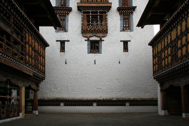 Paro,不丹dzong的庭院,离开 库存图片