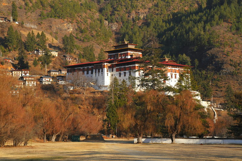 Paro Rinpung Dzong imagen de archivo