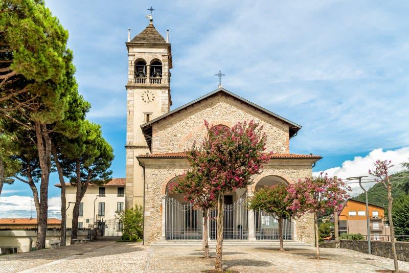 Parochiekerk van Gervasio en Protasio in de Stad van della Battaglia, Como, Ital van San Fermo royalty-vrije stock fotografie