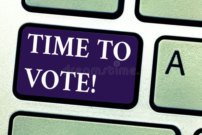 Parola che scrive tempo del testo di votare Il concetto di affari per l'elezione avanti sceglie fra alcuni candidati di governare immagini stock libere da diritti