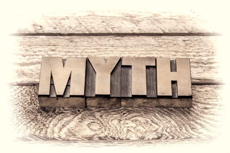 Parola di mito nel tipo d'annata di legno dello scritto tipografico fotografia stock