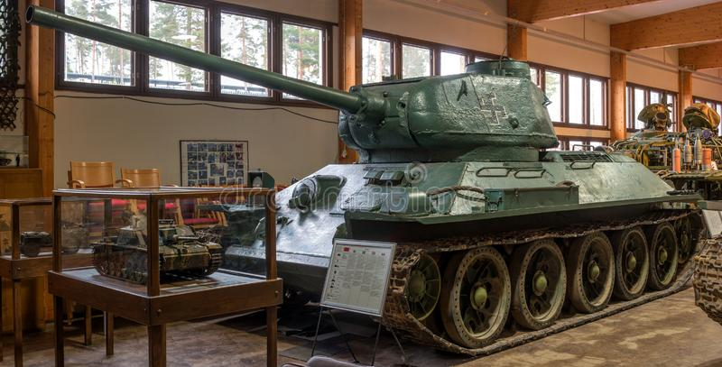 Parola, Finlandia - 2 de maio de 2019: Museu do tanque na cidade de Parola Tanque sovi?tico T-34-85 Esta cópia foi capturada pelo foto de stock