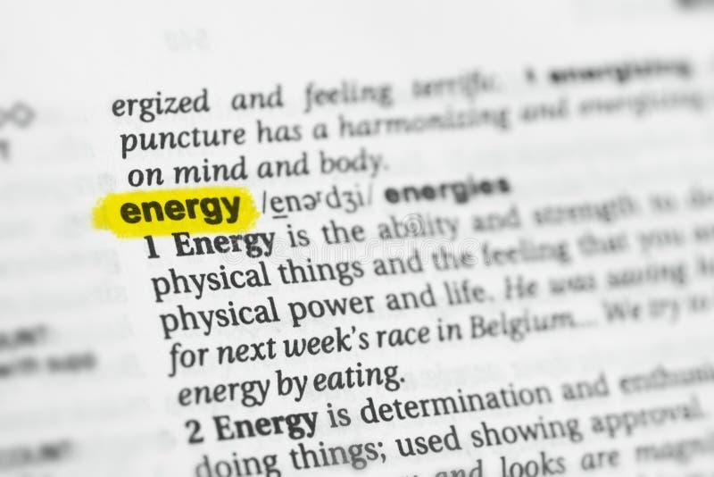 Parola inglese evidenziata & x22; energy& x22; e la sua definizione al dizionario fotografie stock libere da diritti