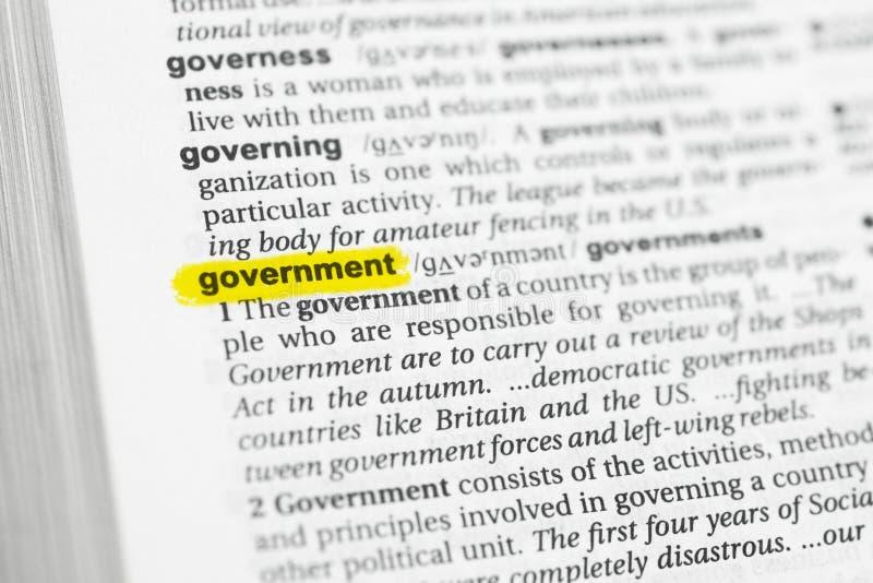 Parola inglese evidenziata & x22; government& x22; e la sua definizione al dizionario immagini stock
