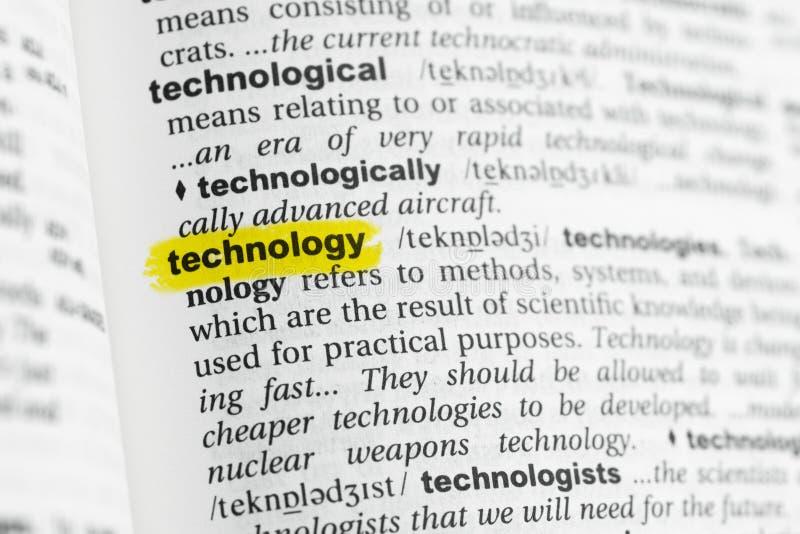 Parola inglese evidenziata & x22; technology& x22; e la sua definizione al dizionario fotografia stock libera da diritti