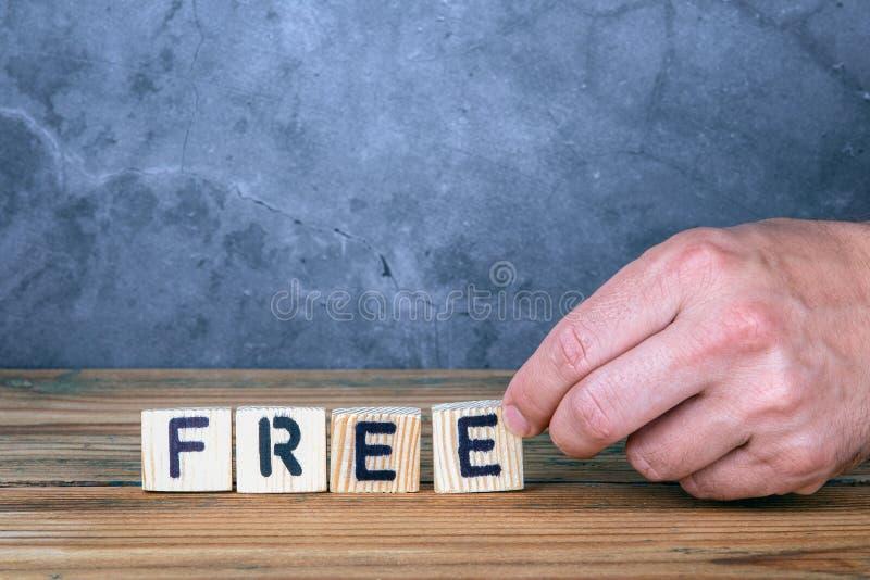 Parola libera dalle lettere di legno fotografia stock