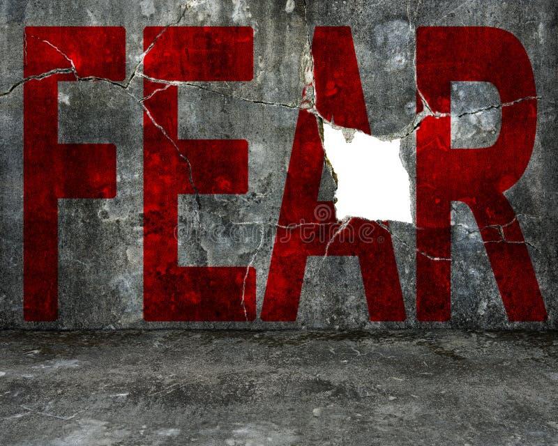 Parola rossa di timore sul muro di cemento chiazzato con il grande foro fotografia stock