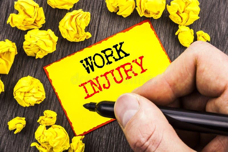 Parola, scrittura, lesione di lavoro del testo Concetto di affari per il cattivo incidente del corpo come protezione di emergenza immagini stock libere da diritti