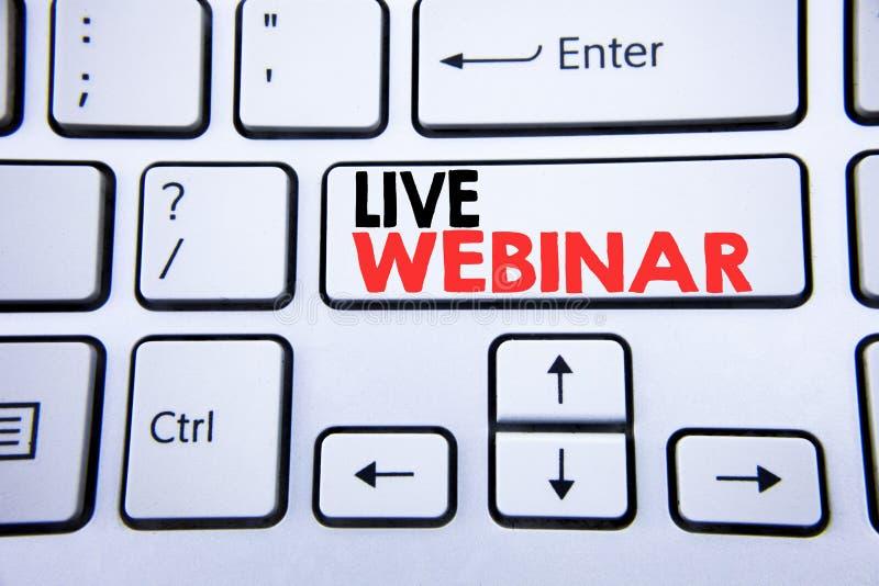 Parola, scrivente Live Webinar Concetto di affari per l'e-learning di web di affari scritto sulla chiave di tastiera bianca con l fotografia stock