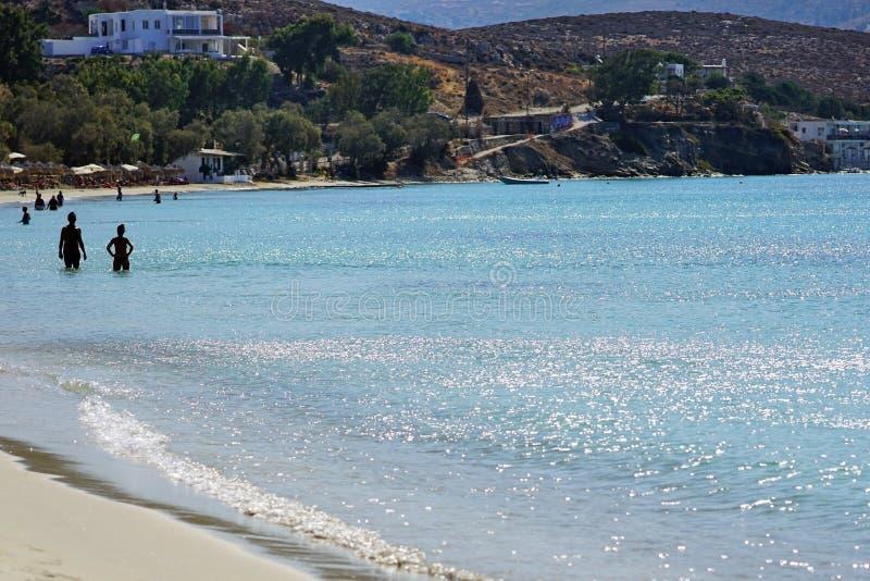 PAROS, GRÈCE, LE 16 SEPTEMBRE 2018, plage de Martselo en septembre est une plage très tranquille parce que photo libre de droits