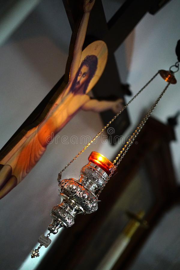 PAROS GREKLAND, 18 2018 h?rliga detaljer i en liten ortodox kyrka i mitten av Parikia arkivbilder