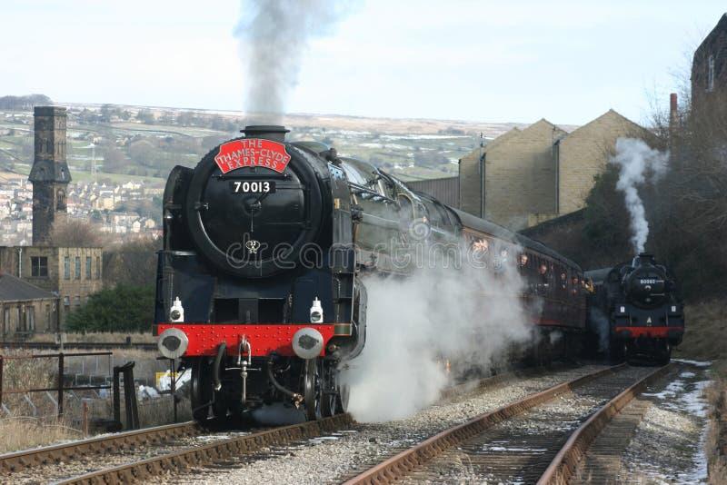 Parowej lokomotywy liczba 70013 Oliver Cromwell przy Keighley bankiem o fotografia royalty free