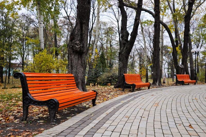 Download Parque foto de stock. Imagem de estação, trajeto, outono - 16853644