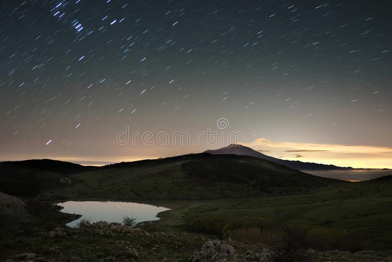 Parque abaixo das fugas da estrela, Sicília de Nebrodi foto de stock