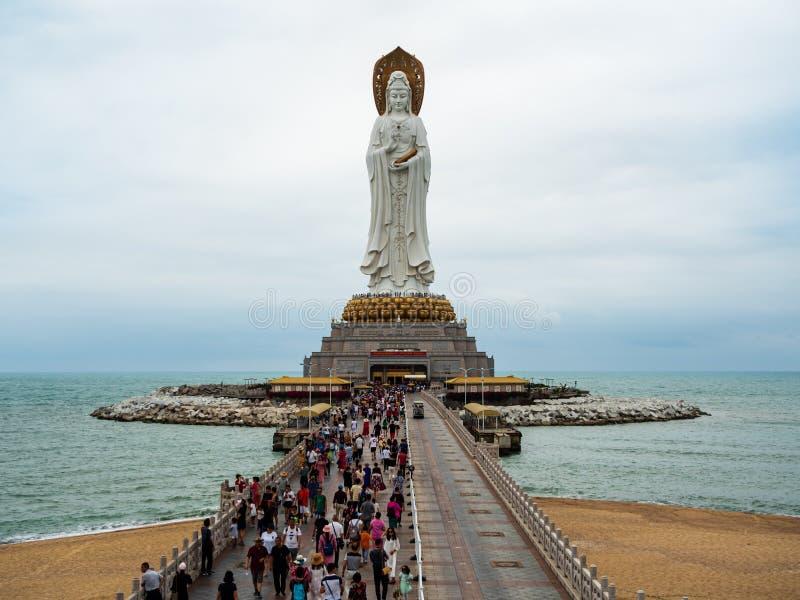 PARQUE CULTURAL de NANSHAN, HAINAN, CHINA - estatua de la diosa de la misericordia, Guanyin fotografía de archivo