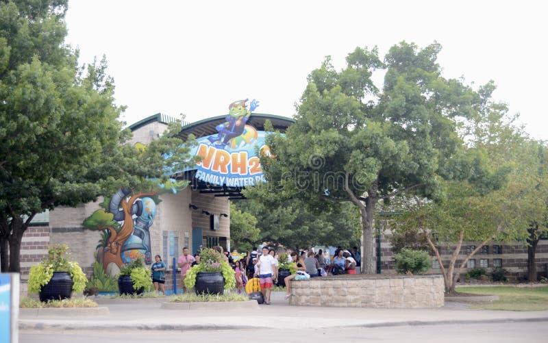 Parque da água da família de NRH2O, montes nortes de Richland, Texas foto de stock