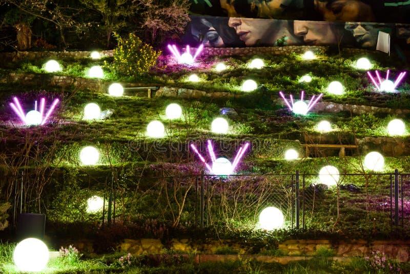 Parque da arte em Zagreb, Croácia durante o festival de luzes fotos de stock royalty free