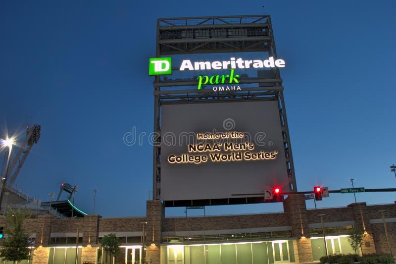 Parque de Ameritrade en Omaha céntrica imagenes de archivo