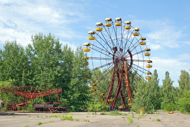 Parque de atracciones abandonado en Pripyat imagenes de archivo