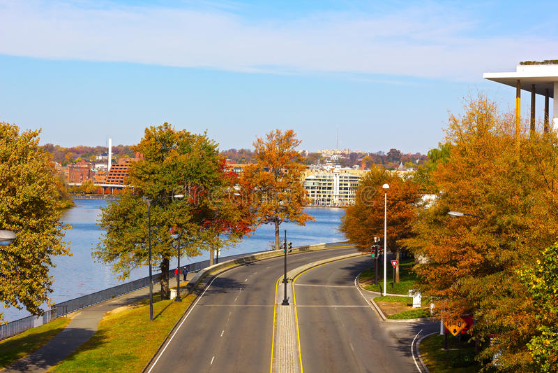 Parque de costa de Georgetown cerca del río Potomac en el Washington DC, los E.E.U.U. imagenes de archivo