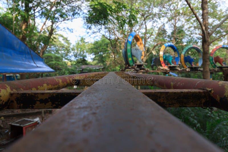 Parque de diversões abandonado assustador em Yangon, conhecido anteriormente como Rangoon, Myanmar fotografia de stock royalty free