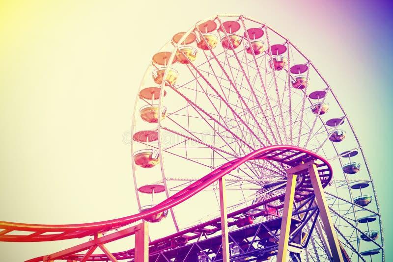 Parque de diversões estilizado do instagram retro do vintage foto de stock